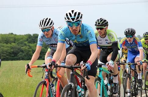 https://teamchatoucyclisme.com/wp-content/uploads/2019/07/62256838_10217569819493276_8405086226146656256_n-min-1.jpg